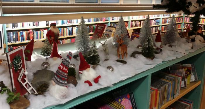 Tervolan kirjaston jouluhylly