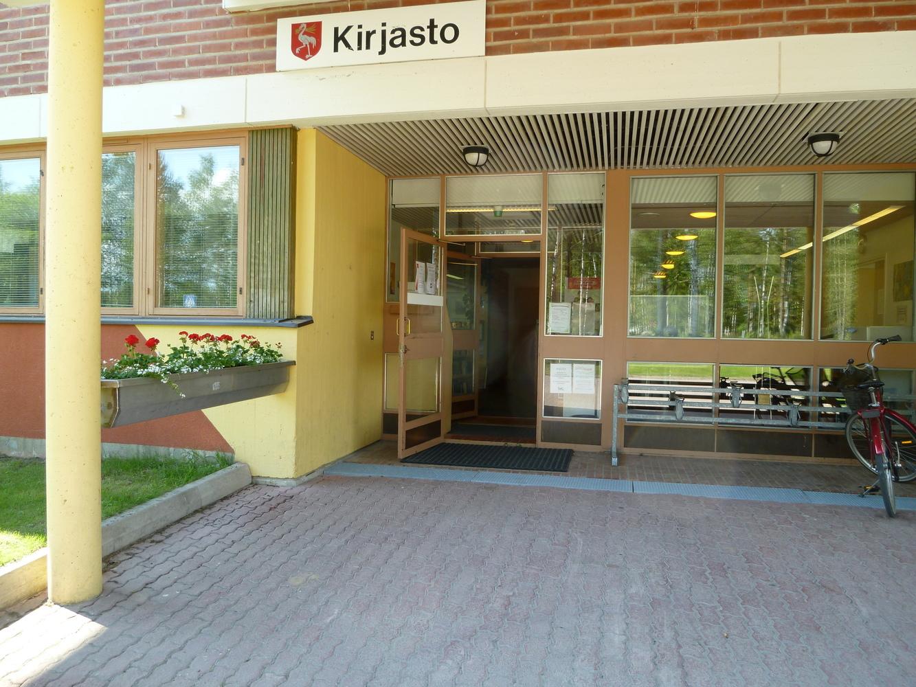 Tervolan kirjaston sisäänkäynti